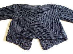 Jostain syystä pysähdyin kesken … Any idea here? Crochet Jacket, Crochet Cardigan, Knit Or Crochet, Crochet Shawl, Crochet Squares, Crochet Granny, Crochet Toddler, Sweater Making, Crochet Clothes