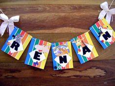 Essas bandeirolas servem para enfeitar parede, ficar perto da mesa de bolo, ou na entrada da festa dando boas vindas... enfim, onde a imaginação quiser!! Montada em papel 180grs Valor unitario por letra Medida 18x14cm Para outros tamanhos, entrar em contato! R$ 5,75