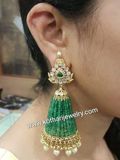 Diamond Earrings Indian, Gold Jhumka Earrings, Buy Earrings, Jewelry Design Earrings, Gold Earrings Designs, Hanging Earrings, Emerald Jewelry, Bead Jewellery, Designer Earrings