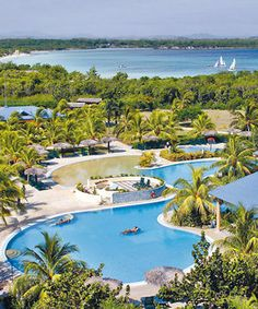 Blau Costa Verde Beach Resort is a pretty resort in Playa Pesquero, Cuba. It has an ocean view. There are big pools to relax in.