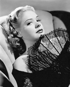 """Alice Faye, was one of the most popular stars in the golden era of Hollywood, from the late and the mid she was a top Box office attractions, in such films as """"Alexander's Ragtime Band"""" and """"That Night in Rio"""" composers Jule Styne. Old Hollywood Glamour, Golden Age Of Hollywood, Vintage Glamour, Vintage Hollywood, Hollywood Stars, Classic Hollywood, Vintage Beauty, Jean Harlow, Rita Hayworth"""