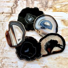 Amazing Agate Coasters Agate Coasters Set Agates Coaster Geode Coasters -Gold,Silver,Natural Edge/Black Brown Green Blue by HandmadeByGin on Etsy Diy Resin Art, Resin Crafts, Coaster Holder, Coaster Set, Agate Coasters, Black And Brown, Dark Brown, Primary Colors, Vibrant Colors
