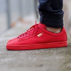 900011a9a97 Red Pumas  sneakers Puma Suede Red