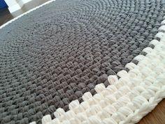 Crochet round rug, t shirt yarn rug, fabric yarn round rug ,zpagetti yarn rug…