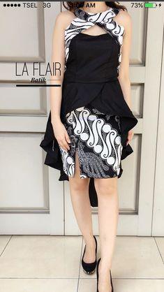 I love batik Batik Fashion, Boho Fashion, Fashion Dresses, Fashion Design, Blouse Batik, Batik Dress, Casual Dresses For Women, Nice Dresses, Clothes For Women