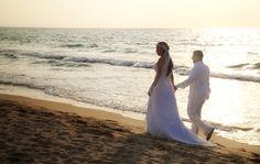 Wedding, Boda en la playa, Este es uno mas de los eventos que cubrieron los fotógrafos de Agustin Bedoya, una gran pareja, un gran evento… www.agustinbedoya.com Fotografos de Bodas en Medellín-Colombia