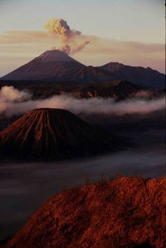 Mont Bromo.  Volcano in East Java, Indonesia // photographer's flickr site here: http://www.flickr.com/photos/50761803@N05/5086329155/
