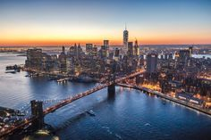 Everyone needs to see New York City at least once in their lifetime, right? If you've been before, how many of these things have you seen and done? New York Street, New York City, Bb King, Emirates Flights, Living In New York, City Photography, Best Cities, San Francisco Skyline, Funny Pics