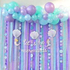 Mermaid party N. Mermaid Birthday Cakes, Little Mermaid Birthday, Mermaid Themed Party, Mermaid Birthday Party Ideas, Little Mermaid Parties, Mermaid Party Decorations, Diy Birthday Decorations, Birthday Garland, Streamer Backdrop
