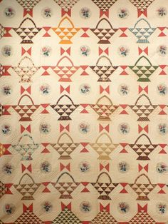 "Antique Quilt, ""Baskets"" with Chintz Rose Medallions and ""Birds-in-Air"" Border 
