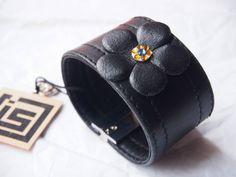 Bracelet manchette en cuir noir