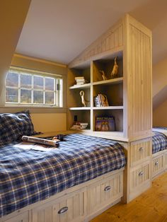 Three Twin Beds Design Ideas, Pictures, Remodel and Decor Bunk Rooms, Attic Bedrooms, Kids Bedroom, Bedroom Decor, Bedroom Ideas, Childrens Bedroom, Dorm Rooms, Plaid Bedroom, Bedroom Setup