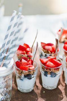 61 Ideas For Bridal Shower Food Brunch Granola Birthday Breakfast, Birthday Brunch, Brunch Party, Granola, Brunch Buffet, Breakfast Buffet, Breakfast Fruit, Keto Desserts, Fruit And Yogurt Parfait
