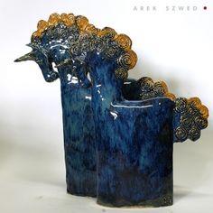 Dwójka w akwamarynie, para ceramicznych jednorożców wykonana ręcznie z gliny, pokryta efektownym szkliwem. Ceramika Arek Szwed