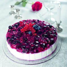 Egy finom Erdei gyümölcsös joghurttorta ebédre vagy vacsorára? Erdei gyümölcsös joghurttorta Receptek a Mindmegette.hu Recept gyűjteményében!