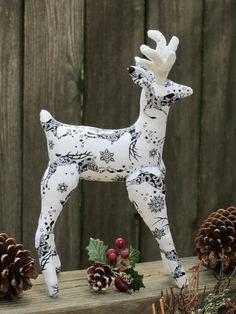 White Christmas Reindeer plush toy stuffed #scandinavian #Nordic #Scandinavianreindeer #ScandinavianChristmas #reindeer #reindeertoy #stuffedreindeer #plushie #white #christmas #decoration #christmasdecor #christmasornament #HappyDollsByLesya by HappyDollsByLesya