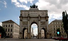 Munich Siegestor. Photo courtesy of digital cat  via Flickr.