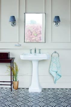 Up to F Traditional Bathroom Basins Uk Bathrooms Edwardian Bathroom, Vintage Bathrooms, Chic Bathrooms, Bathroom Colors Gray, Gray Shower Tile, Bathroom Sink Decor, Bathroom Lighting, Bathroom Ideas, Lodge Bathroom