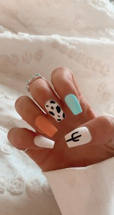 Acrylic Nails Coffin Short, Simple Acrylic Nails, Summer Acrylic Nails, Best Acrylic Nails, Spring Nails, Cute Gel Nails, Pretty Nails, Funky Nails, Colorful Nails
