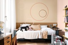 Spiced Honey, the color of 2019 according to Flexa - Interior Notes Decor, Colorful Interiors, Interior, Big Houses Interior, Living Room Paint, Home Decor, Dark Interiors, Interior Paint Colors, Home Interior Design