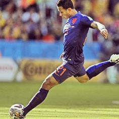 Netherlands player Memphis Depay in today's win over Australia 6-18-2014