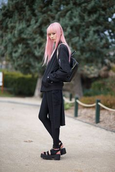 how cool is her hair?! #FernandaLy #offduty in Paris.