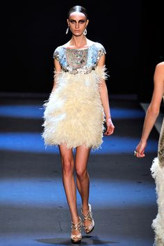 Naeem Khan Fall 2011 Ready-to-Wear Collection Photos - Vogue