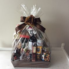 Holiday Gift Baskets, Wine Gift Baskets, Holiday Gifts, Coffee Baskets, Real Estate Gifts, Balloon Gift, Auction Baskets, Wine Festival, Xmas Crafts
