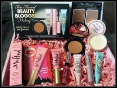 Too Faced Giveaway http://beautyintl.blogspot.com/