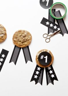 How cute are these Treats for Father's Day to pass out at Church via @PagingSupermom