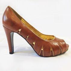 Elegant Brown Gianni Bini Leather Heels Size: 6.5...Beautiful brown heels. Leather. In great condition. Gianni Bini Shoes Heels