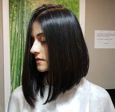 ideas haircut straight stylists for 2019 Medium Long Hair, Medium Hair Cuts, Long Hair Cuts, Medium Hair Styles, Curly Hair Styles, Black Hair Haircuts, Long Curly Haircuts, Inverted Bob Hairstyles, Cabelo Inspo