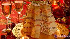 """Il PANETTONE GASTRONOMICO è un'""""invenzione"""" abbastanza recente della cucina contemporanea. E' sostanzialmente un panettone di pasta simile al pan briochè, con farce salate.  Re incontrastato degli antipasti ad effetto, è una preparazione che si propone (ahimè!) sulle nostre tavole esclusivamente sotto le feste natalizie.  Qui la #ricetta di #GialloZafferano: http://ricette.giallozafferano.it/Panettone-gastronomico.html  #Natale #Capodanno"""