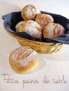 J'en reprendrai bien un bout...: Petits pains de table Cooking Chef, Cooking Recipes, Pain Artisanal, Thermomix Bread, Levain Bakery, Bread Cake, Bread Baking, Bread Recipes, Table