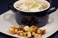 Une soupe crémeuse avec des cèpes déshydratés, leur saveur se marie merveilleusement avec l'oignon. Une entrée grand effet toute saison ! Saveur, Marie, Meat, Chicken, Food, Onion, Recipe, Essen, Meals