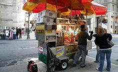 Típico carrinho de hot-dog, em Nova York