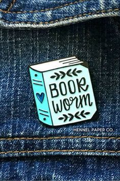 Put your love for books BOOK WORMS! Go beyond Bookish Shop Source by briannagodoy Gifts For Bookworms, Gifts For Readers, Book Wallpaper, Stress, Book Aesthetic, Pin And Patches, Book Lovers Gifts, Book Nooks, I Love Books