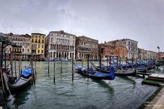 https://flic.kr/p/JRGGuR   Gondole sul Canal Grande vicino al Ponte di Rialto. Venezia (Fisheye Vision)   Prestigiosi palazzi storici…