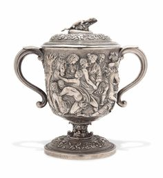 hufflepuff's goblet as part of deathly hallows segment - badger on it kind of junky looking Vintage Silver, Antique Silver, Forging Metal, Antique Glass, Deathly Hallows, Ceramics, Sterling Silver, Crystals, Georgian