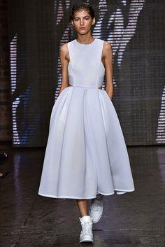 Sfilata DKNY New York - Collezioni Primavera Estate 2015 - Vogue