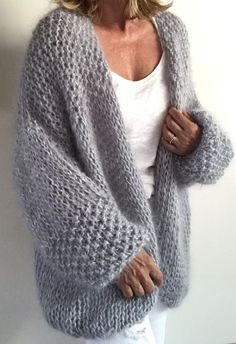 Knitwear Fashion, Knit Fashion, Fashion Outfits, Girl Outfits, Crochet Hooded Scarf, Knit Crochet, Mohair Sweater, Knit Cardigan, Chunky Cardigan