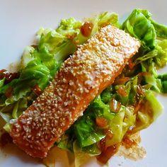 Edel's Mat & Vin : Sesambakt laks med smørdampet nykål og soyasmør ✿