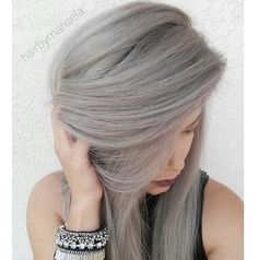 Gorgeous gray! @hairbymarisela pre-lightened all the hair to a level 10. Used #KenraColor SV Rapid Toner on the roots and then used equal parts of SV Rapid Toner and 10V on the rest. Left on the hair for about 7 mins after applying it all over.