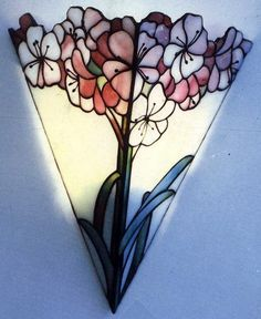 vitrales patrones gratis - Buscar con Google                                                                                                                                                      Más Stained Glass Lamp Shades, Stained Glass Light, Stained Glass Flowers, Stained Glass Designs, Stained Glass Patterns, Leaded Glass, Mosaic Glass, Fused Glass, Glass Porch