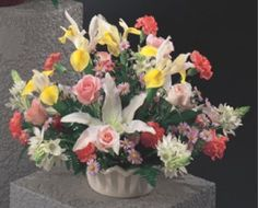 Wedding Centerpieces; Browse thru our site for hundreds of photo ideas, including centerrpieces, bridal bouquets, ceremony locations, beach weddings and much more.  Save money with DIY tutorials