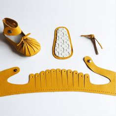 Vente de kit chaussures bébé first baby shoes karo jaune