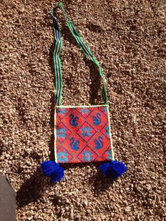 Huichol Native mexican Indian HAND WOVEN side bag with squirrels