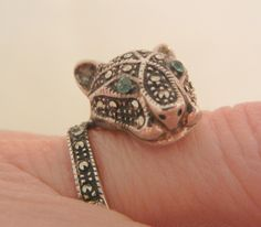 Outstanding sterling marcasite blue eye Tiger Ring 6 1/2