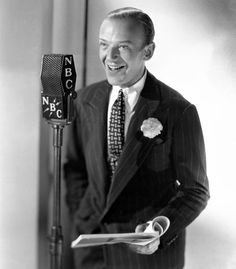 Fred Astaire- he had a nice smile to go along with that fabulous dancing! Hollywood Stars, Old Hollywood Glamour, Golden Age Of Hollywood, Classic Hollywood, Fred Astaire, Adele Astaire, Gene Kelly, Nebraska, Mikhail Baryshnikov