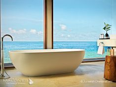 The Most Extraordinary Hotel Bathrooms in Maldives - JUMEIRAH DHEVANAFUSHI